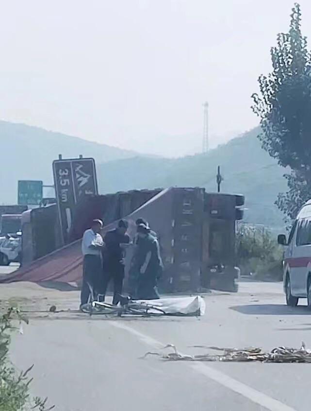 突发!井陉一高速口附近发生交通事故,致一死一伤