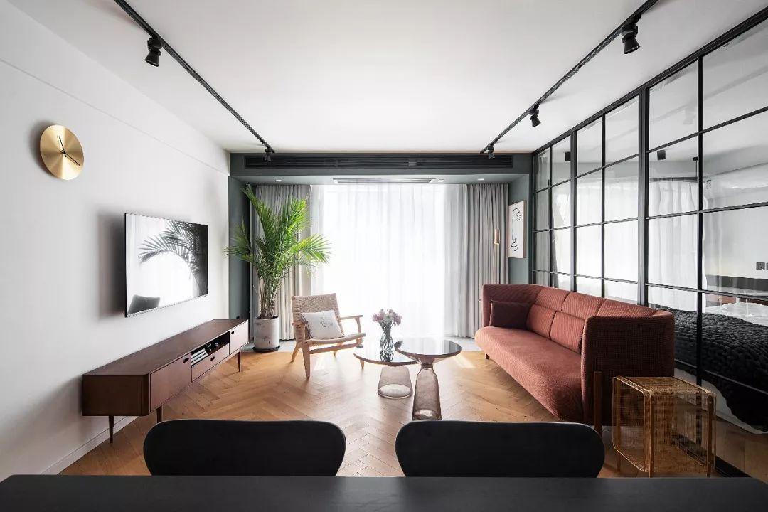 客厅不装吊顶,简洁显高还省钱,这里有4种方案值得借鉴!
