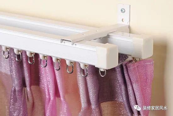窗帘安装罗马杆好还是轨道杆好呢?