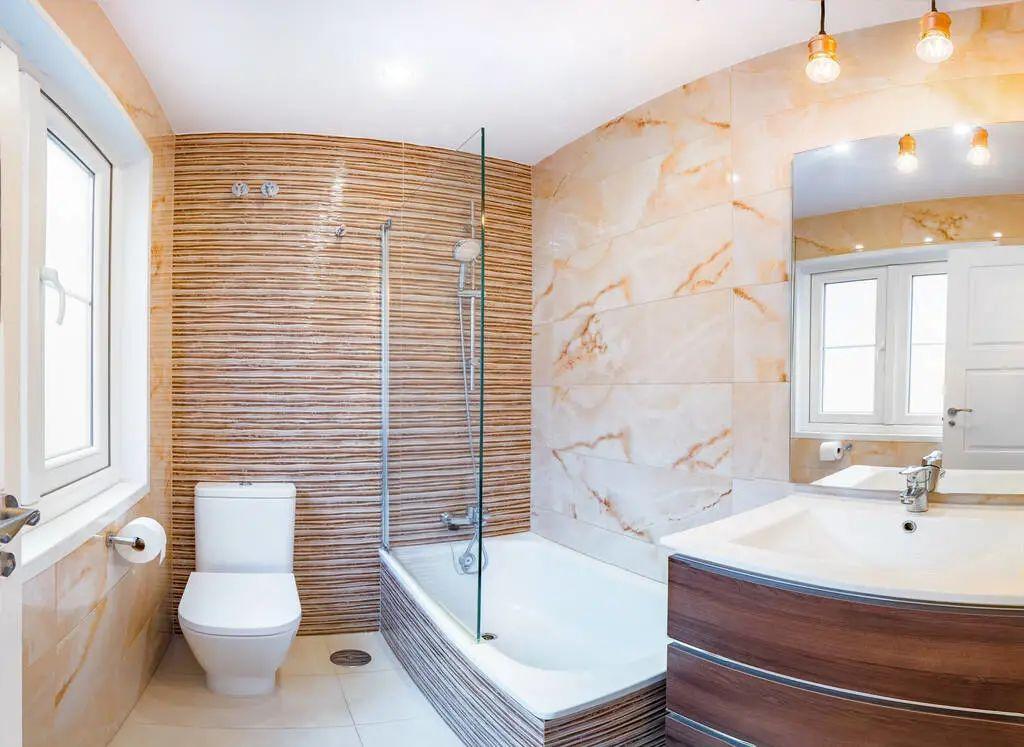 你家卫生间先贴瓷砖还是先装马桶?